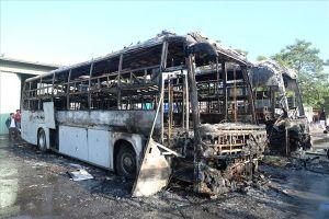 Đà Nẵng: 2 xe ôtô khách bị cháy rụi