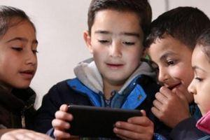 Tuyệt chiêu giúp con không gào khóc khi bố mẹ lấy lại iPad, điện thoại