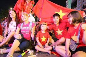 Việt Nam-Myanmar: Triệu fan hô vang Việt Nam chiến thắng