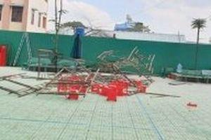 Sập giàn giáo làm 15 học sinh tiểu học bị thương