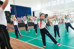Điều chỉnh nội dung giảng dạy thể dục theo hướng phát triển năng lực