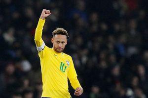 HLV Tite giao hẳn băng đội trưởng tuyển Brazil cho Neymar