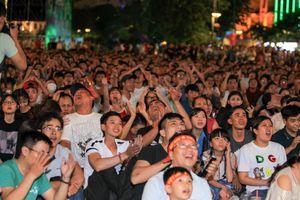 Người hâm mộ tại quê nhà: Quá nhiều cảm xúc với trận hòa Việt Nam - Myanmar