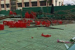 Sập giàn giáo trong lễ kỷ niệm 20-11, nhiều học sinh bị thương