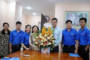 T.Ư Đoàn chúc mừng GS. TSKH Phạm Thị Trân Châu