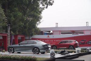 VinFast tung giá xe rẻ không tưởng khiến người tiêu dùng 'choáng váng'!
