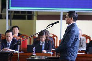 Xét xử sơ thẩm vụ án đánh bạc nghìn tỷ: Hai cựu tướng Vĩnh và tướng Hóa khai gì?