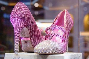 Chiêm ngưỡng đôi giày cao gót giá 100 tỷ đồng chỉ dành cho giới siêu giàu
