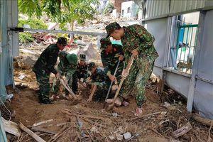 Tiếp tục tìm kiếm người mất tích do mưa lũ lớn tại Nha Trang