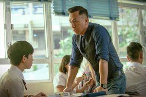 5 giáo viên 'hắc ám' trong suy nghĩ của 'lũ học trò' là mọt phim châu Á