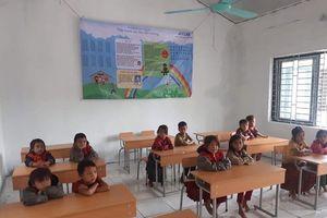 Ngày nhà giáo Việt Nam: Đến với học sinh vùng cao từ bó hoa, chiếc phong bì và tấm lòng