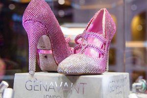 Đôi giày nạm hàng nghìn viên kim cương trị giá hơn trăm tỷ đồng khiến bao cô gái mơ ước