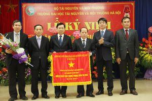Trường Đại học TN&MT Hà Nội kỷ niệm 36 năm Ngày Nhà giáo Việt Nam