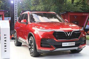 Cận cảnh ô tô VinFast SUV LUX SA 2.0 giá 1,136 tỷ đồng