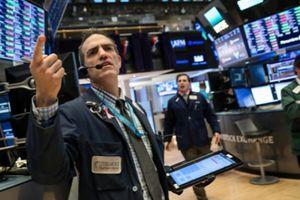Cổ phiếu công nghệ bị bán tháo, chứng khoán Mỹ giảm điểm mạnh