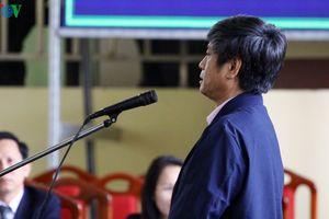 Bị cáo Nguyễn Thanh Hóa bất ngờ phản cung, than mệt vì mảnh đạn trong đầu