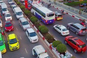 Có nên xem xe công nghệ là dịch vụ vận tải?