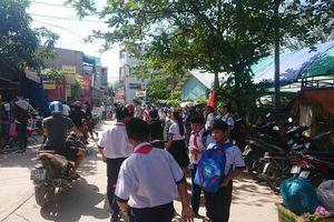 Sập giàn giáo trường tiểu học khi đang tổ chức mít tinh ngày 20/11: 3 học sinh bị thương nặng