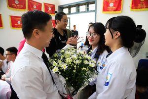 Ngập tràn niềm vui trong Ngày Nhà giáo Việt Nam