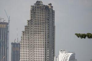 Cận cảnh Tháp ma 'đắt khách' giữa trung tâm Bangkok