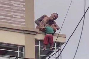 Nam thanh niên khống chế và ném cháu bé từ nhà cao tầng là đối tượng nghiện ma túy