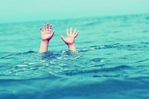 Trắng đêm tìm kiếm nam học sinh 13 tuổi mất tích sau khi tắm biển