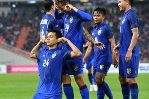 Thủ môn phản lưới, Thái Lan bị Philippines 'cưa điểm'