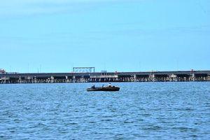 Xử lý tàu thuyền xâm phạm công trình dầu khí trên biển Dung Quất