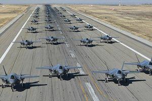 Mỹ khoe cảnh 35 chiếc F-35 'Tia chớp' xuất kích liên tiếp trong 11 phút