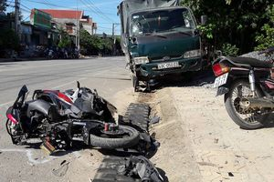Ô tô gây tai nạn liên hoàn khiến 3 người thương vong