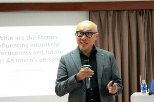 Giáo sư Stephen Teo chia sẻ bí quyết thực tập hiệu quả tại hội thảo 'Internship effectiveness'