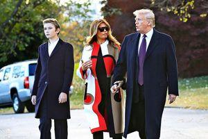 Cậu út nhà Tổng thống Donald Trump xuất hiện, điển trai bất ngờ