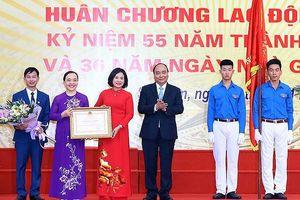 Thủ tướng trao Huân chương Lao động Hạng Nhì cho Trường THPT Đa Phúc