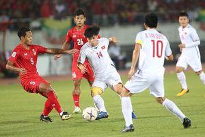 'Tuyển Việt Nam, quên trọng tài đi, hãy lấy vé bán kết AFF Cup'