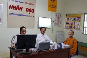 Phòng khám Nhân đạo Kinh 7: Chữa bệnh, ăn ở miễn phí cho người nghèo