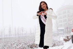 Minh Tú cho hoa hậu Philippines mượn đầm, được cộng đồng fan quốc tế cảm kích