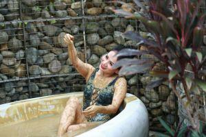 Mùa đông hãy đến Đà Nẵng, ghé Núi Thần Tài tắm khoáng nóng, tắm bùn