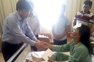 Thăm hỏi gia đình giáo viên, học sinh gặp nạn trong vụ sạt lở đất tại Nha Trang
