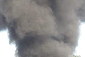 Đà Nẵng: 2 ôtô khách đậu trong bến xe bỗng nhiên bốc cháy dữ dội