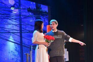 Nhà hát Tuổi trẻ dàn dựng lại vở 'Tin ở hoa hồng'