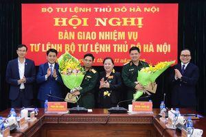 Bàn giao nhiệm vụ Tư lệnh Bộ Tư lệnh Thủ đô