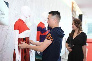 Nhà thiết kế Đỗ Trịnh Hoài Nam quảng bá thời trang Việt tại Malaysia