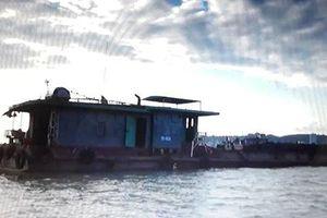 Tạm giữ tàu chở 500 tấn than không rõ nguồn gốc