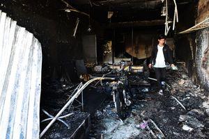 Bất lực nhìn con trai chết trong biển lửa khi xe bồn chở xăng cháy