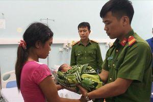 Nghệ An: Mẹ đẻ bán con 20 ngày tuổi với giá 40 triệu, huyện miền núi rúng động