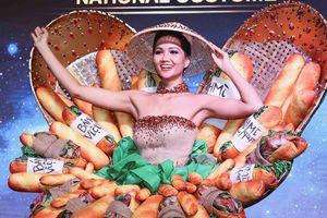 Tranh cãi trang phục dân tộc cô bán bánh mì của H'Hen Niê