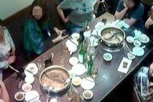 Đoàn khách Trung Quốc ăn xong không thanh toán tiền