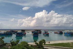 Trung tâm Hậu cần - Kỹ thuật đảo Sinh Tồn giúp ngư dân phòng chống áp thấp nhiệt đới