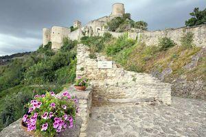 Đám cưới tại lâu đài cổ tích chỉ với 100 USD