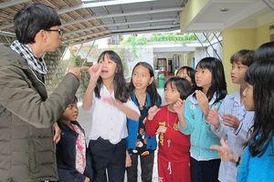 Giúp trẻ khiếm thính hòa nhập cộng đồng